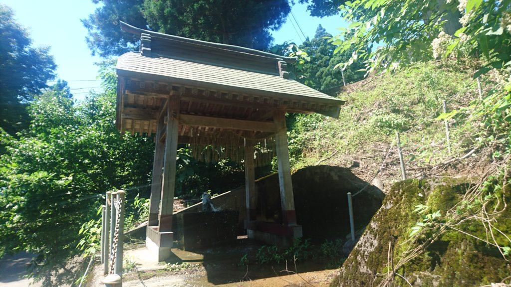 蘭木村・石動社・手水舎