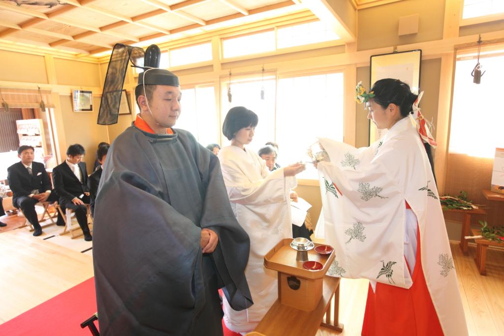 石動神社・神前結婚式・誓盃の儀2
